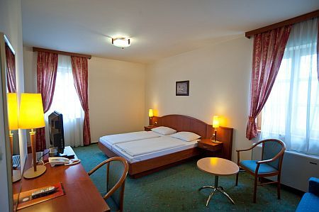 Affordable hotels - Gastland hotel in Szigetszentmiklos