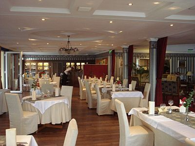 Romantic and elegant restaurant in Rackeve, Duna Event Wellness Hotel